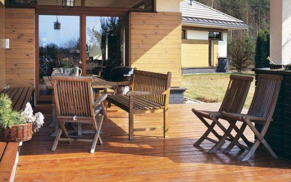 Konserwacja drewnianych elementów ogrodowych
