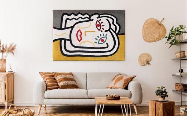 Aranżacja ściany w salonie: 18 pomysłów na modne wykończenie ściany w salonie